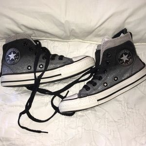 Converse Chuck Taylor High Tops Girls' 12